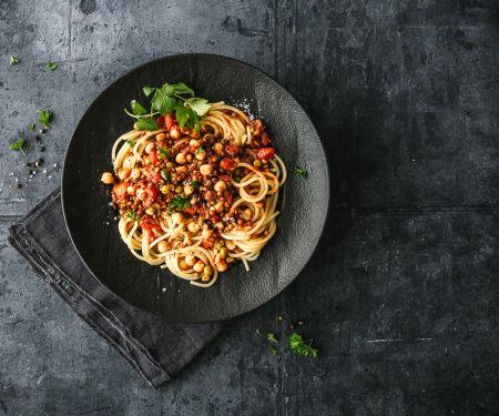 Veggie-Bolognese mit Linsen, Erbsen und Kichererbsen