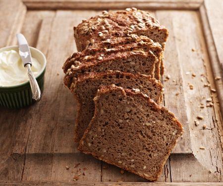 Vollkorn-Sonnenblumenkern-Brot
