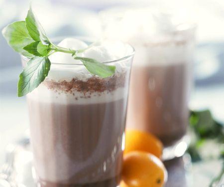 Wärmender Kakao mit Orange und Minze