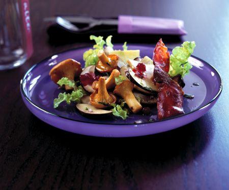 Waldpilz-Salat mit Preiselbeer-Vinaigrette