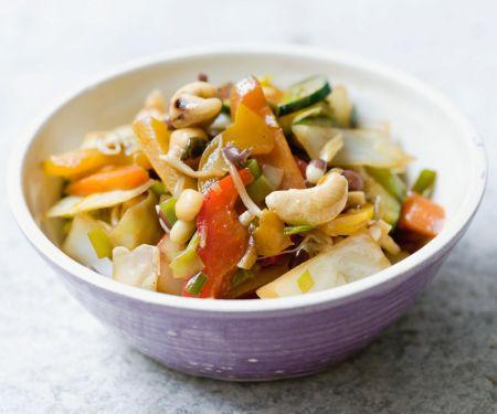 Wokgemüse mit Cashewkernen