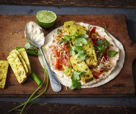 Wraps mit Currytofu, Sprossen und Erdnussaufstrich