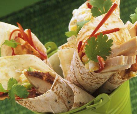 Wraps mit Hähnchen, Paprika und Koriander