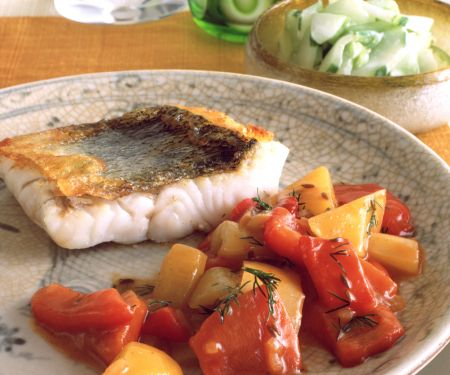 Zander mit Paprika-Gurken-Gemüse
