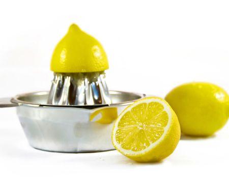Zitronen auspressen – aber richtig!