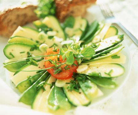 Zucchini-Käsesalat