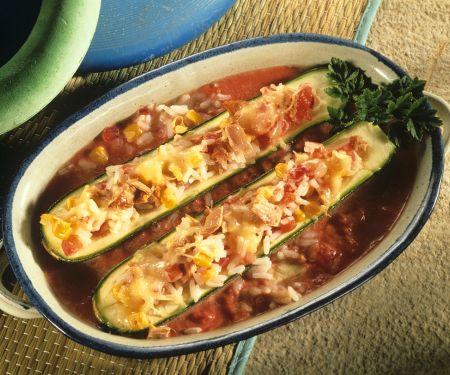 Zucchini mit Reis-Fischfüllung