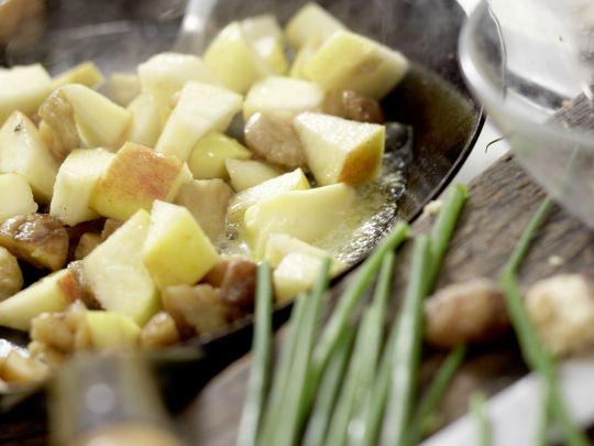 kastanien kartoffel suppe rezept eat smarter. Black Bedroom Furniture Sets. Home Design Ideas