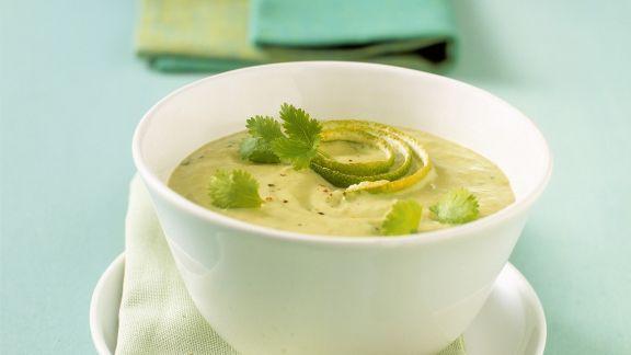 Rezept: Avocado-Limetten-Suppe mit Koriander