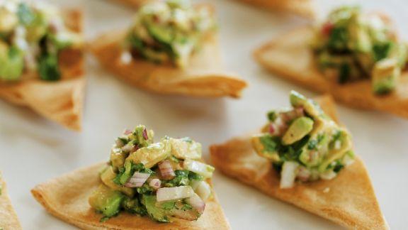 Rezept: Avocadosala mit Fladenbrot auf libanesische Art