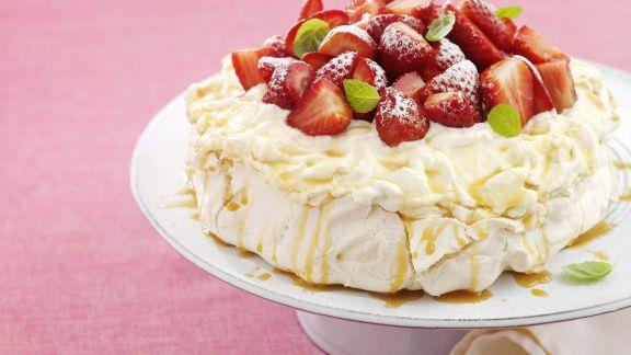 Rezept: Baisertorte mit Erdbeeren