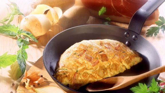 omelett mit kartoffeln und schinken rezept eat smarter. Black Bedroom Furniture Sets. Home Design Ideas