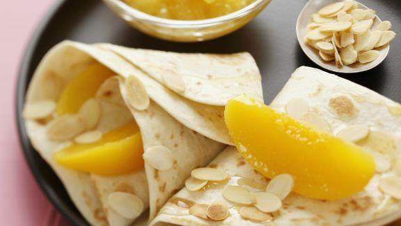 Rezept: Crêpe mit Pfirsich und Mandelblättchen
