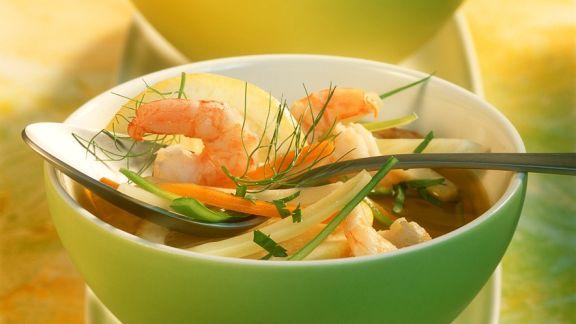 Rezept: Gemüsesuppe mit Garnelen