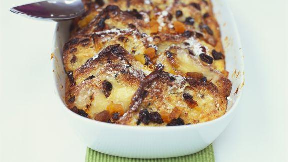 Rezept: Süßes Apfel-Brot-Gratin (Scheiterhaufen)