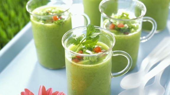 Rezept: Kalte Gemüsesuppe auf spanische Art (Gazpacho)