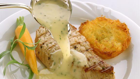 Rezept: Gebratener Lachs mit Weißweinsoße