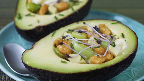 Rezept: Avocado mit Hähnchen und Porree