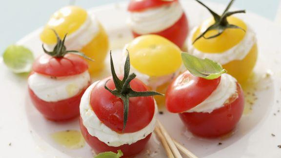 Rezept: Cherrytomaten mit Frischkäse gefüllt