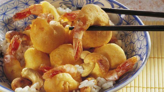 Rezept: Garnelen im Bachteig mit Cashews und Reis
