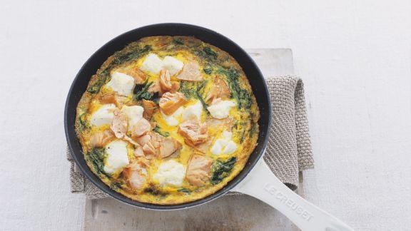 Rezept: Spinat-Käse-Omelett mit Lachs