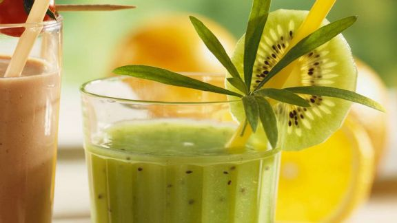 kiwi gurken smoothie mit estragon rezept eat smarter. Black Bedroom Furniture Sets. Home Design Ideas