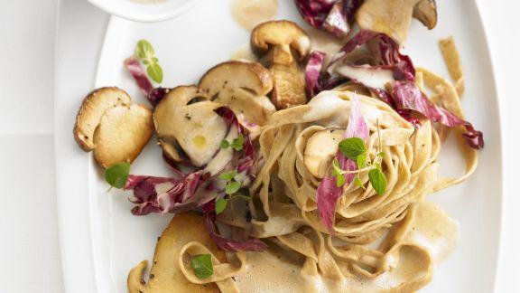 Rezept: Pasta mit Radicchio und Steinpilzen