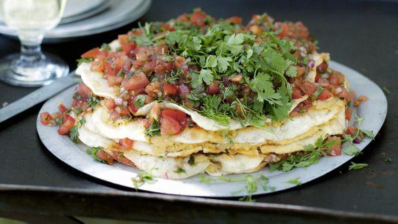 Rezept: Pfannkuchentorte mit Hummus