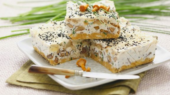 Rezept: Herzhafter Pfifferling-Käse-Kuchen