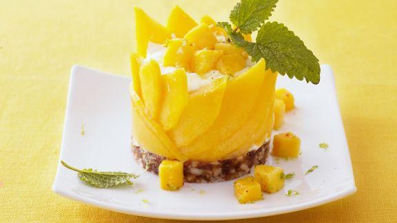 Rezept: Quarktörtchen mit Mango und Datteln