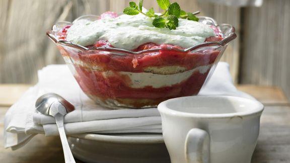 Rezept: Rhabarber-Trifle