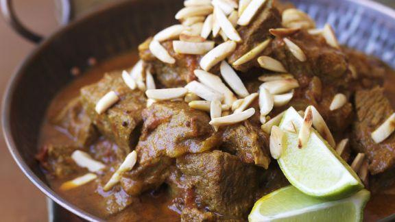 Rezept: Rindfleischcurry mit Mandeln und Limetten