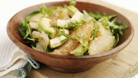 Rezept: Rucola-Avocadosalat mit Grapefruitspalten