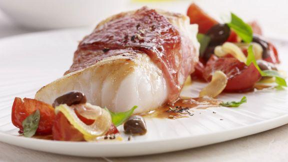 Rezept: Kabeljau mit Schinken und Tomaten
