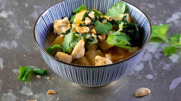 Steckrüben-Grünkohl-Curry mit Hähnchen