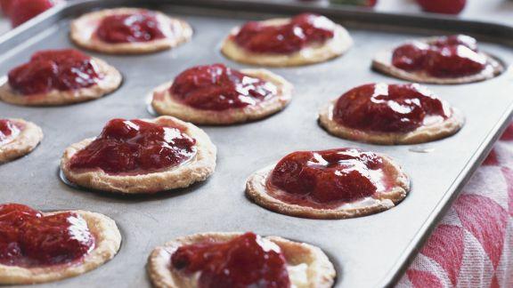Rezept: Süße Erdbeer-Küchlein auf niederländische Art (Poffetjes)