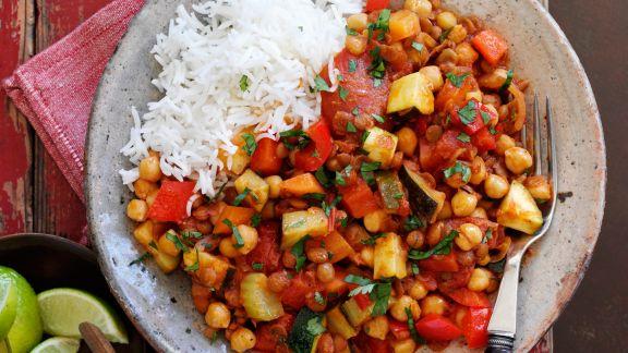 Vegetarisches Linsen-Chili mit Reis