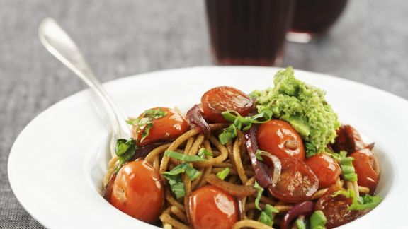 Rezept: Vollkorn-Pasta mit Erbsen-Minz-Sauce