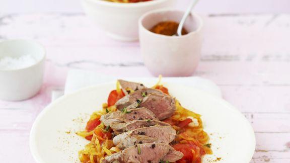 Rezept: Lammfilet mit würzigen Tomaten
