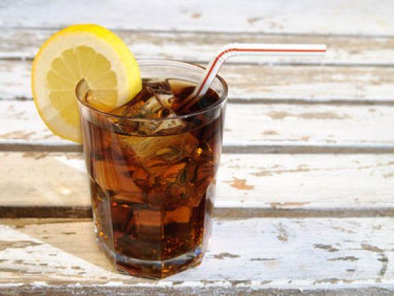 Light-Getränke versprechen kaum Kalorien.
