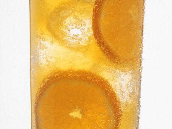 Alkoholfreier Orangendrink