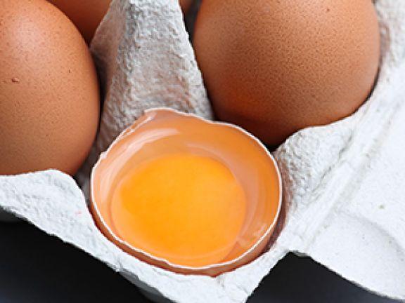 Auch in Eiern ist Eiweiß enthalten.