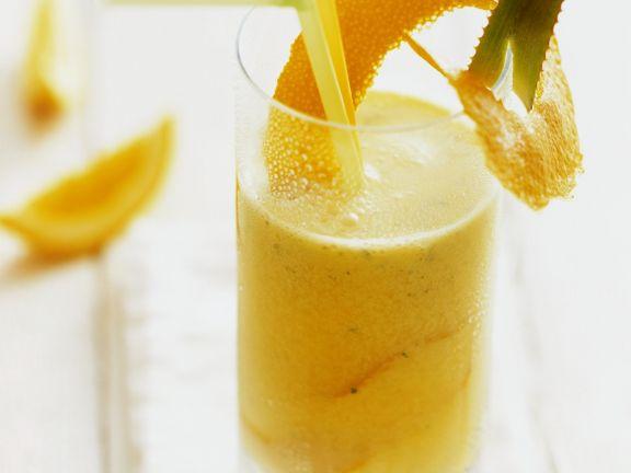 Aloe-Drink mit Orange