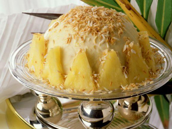 Ananas-Kokos-Eisbombe