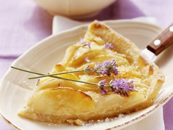 Apfel-Birnen-Kuchen mit Lavendel