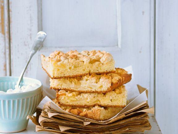 Apfel-Blechkuchen mit Streuseln