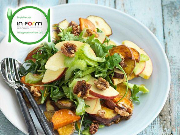 Apfel-Süßkartoffel-Salat mit Walnüssen