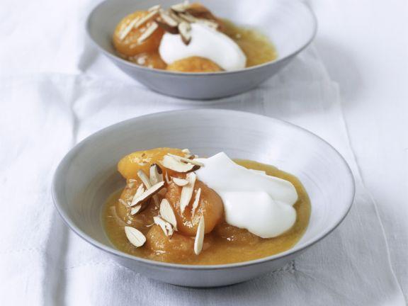 Aprikosendessert mit Mandeln