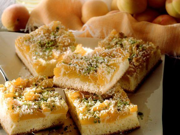 Aprikosenkuchen mit Pistazien und Kokos