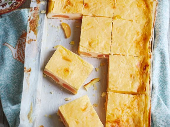 Aprikosenkuchen mit Sauerrahmcreme